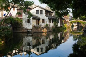 Private Suzhou Garden and Water Town Highlight Trip with Hotel or Railway Station Transfer