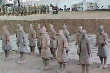 Private Tour: Full-Day Xi'an Sightseeing of Terracotta Warriors and City Attractions