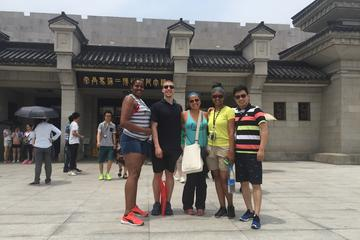 Small Group Tour of Xi'an Terracotta Warriors, Hanyangling Museum, And Tang Dynasty Show