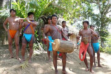 Recorrido por la aldea indígena de los Emberá
