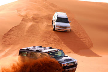 Adventure Red Dune Safari  with BBQ Dinner and Live Shows