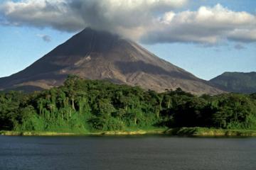 Vulkan Arenal und heiße Quellen