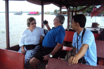 Half-Day Tonle Sap Floating Village Small Group Tour from Siem Reap