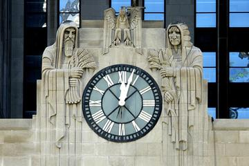 Chicago Walking Tour: Art Deco...