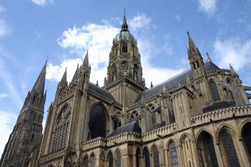 Excursion privée à Bayeux, Honfleur et au Pays d'Auge au départ de...