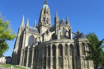 Visite privée: visite de Caen et excursion d'une journée à Bayeux au...