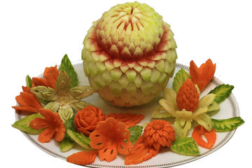 3-Hour Vegetable and Fruit Carvings Class in Chiang Mai