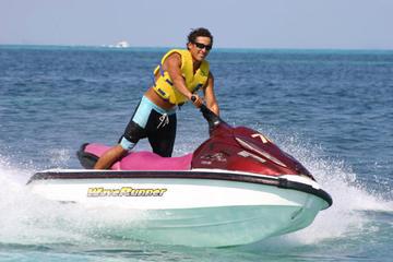 Excursión combinada de moto de agua y buceo de superficie en Cancún