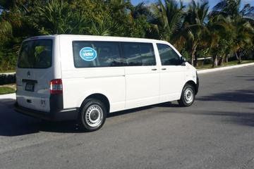 One-Way Small-Group Airport Transfer in Cancun