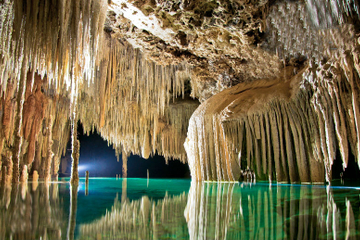 Tour souterrain de la rivière du Rio...