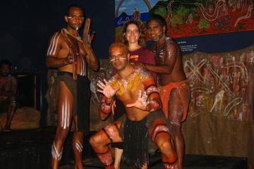 Aboriginal Cultural Tjapukai-Tour bei Nacht einschließlich Buffet