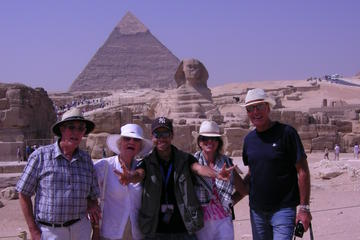 Custom tour to Giza pyramids and felucca ride on the Nile