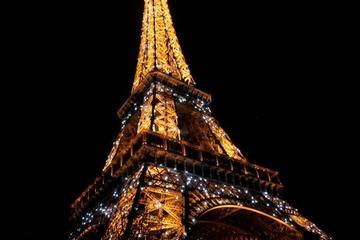 Jantar no 58 Torre Eiffel e Cabaré Crazy Horse com champanhe com...