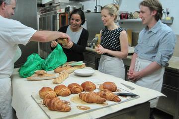 Scopri Parigi: preparazione di baguette e croissant