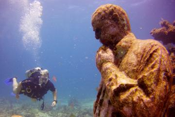 Discover Scuba Diving at the Underwater Museum and Manchones Reef from Cancun