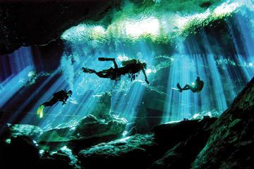 Submarinismo en los cenotes de la...