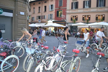 Private Food Tasting Bike Tour Bologna