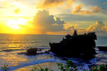 Shared Tanah Lot Sunset Tour Include Drink and Snack at Local Cafe