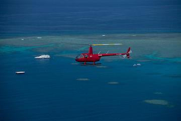 cairns-helicoptere-sur-la-barriere-de-corail