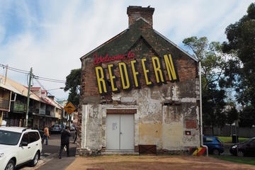 Chippendale and Redfern Walking Tour Including Coffee