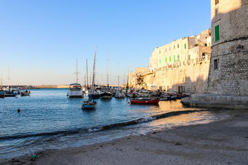 Private tour Giovinazzo, interesting combination of defence from the sea and beauty