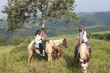 Horseback Riding Tour to the Sink Hole in Santa Familia