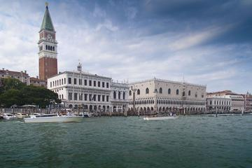 Grand Canal Boat tour in venice
