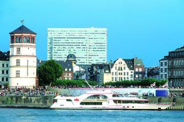 Düsseldorf hop-on hop-off tour en ...