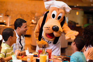 Jantar com personagens no Disneyland Resort