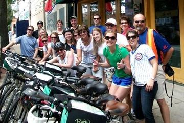 Visita en bicicleta por Chicago degustando sus platos típicos: pizza...
