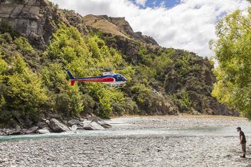 Passeio de helicóptero sobre o Rio Shotover em Queenstown e rafting...