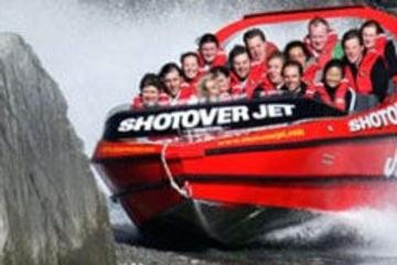 Queenstown trippelutmaning (jetbåt, helikopter och forsränning)