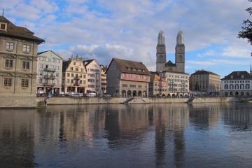 Visite guidée privée de 2 heures du centre-ville de Zurich