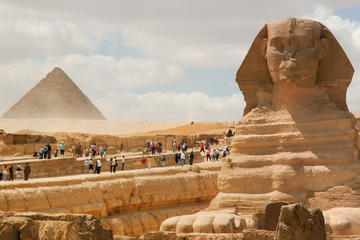 Day Tour to the Pyramids of Giza and Egyptian Museum Include lunch Private Tour