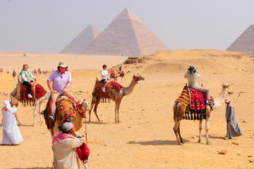 Private Day Tour to Giza Pyramids and Sphinx and Egyptian Museum