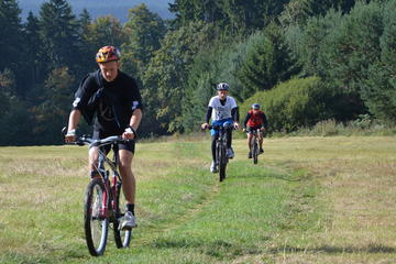 Mountain Biking from Prague: Day Trip Around the River Sazava