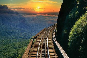 Serra Verde Express: Excursão de trem ao pôr-do-sol de Curitiba