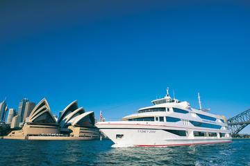 Cruzeiro com almoço no deck superior saindo do porto de Sydney