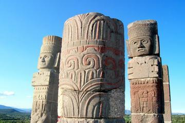 Excursión privada: Excursión de un día a Tula y Tepotzotlán desde...