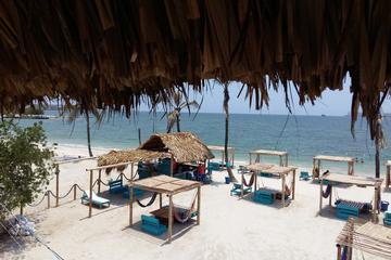 Recorrido de un día de playa Bomba con almuerzo incluido desde...