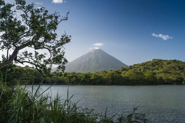 Concepción Volcano Hike in Isla de...