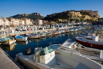 Toulon Private Shore Excursion: Aix en Provence, Cassis and Le Castellet