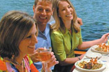St. Petersburg Besichtigungs-Bootsfahrt mit optionalem Mittagessen