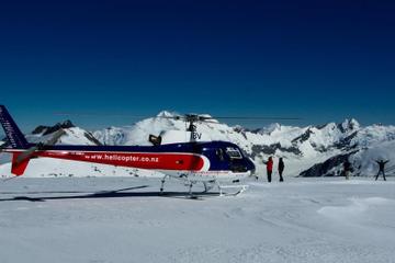 Voo de helicóptero panorâmico na montanha Franz Josef