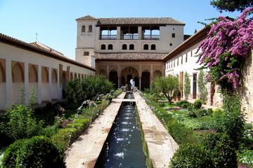 2-tägige Tour durch Granada ab Sevilla mit Keine-Warteschlange-Zugang...