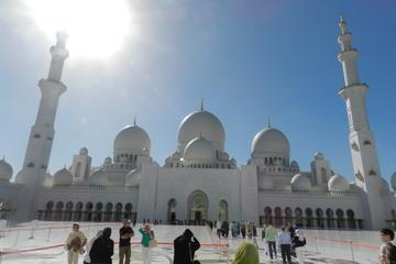 Day Tour of Abu Dhabi City From Dubai