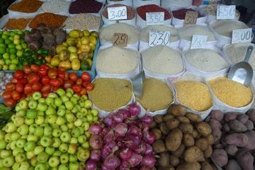 Experiencia en Santiago: Excursión privada a los mercados de...