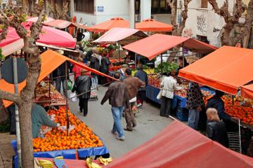 Santiago Like a Local: Private Walking Tour with Coffee, Markets...