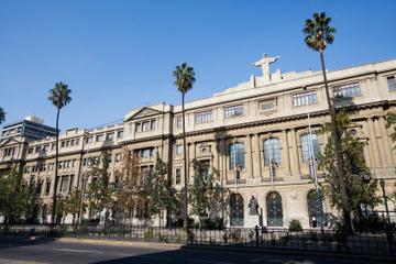 Visita privada: recorrido turístico por la ciudad de Santiago