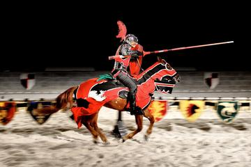 Dîner à Medieval Times et tournoi avec transport